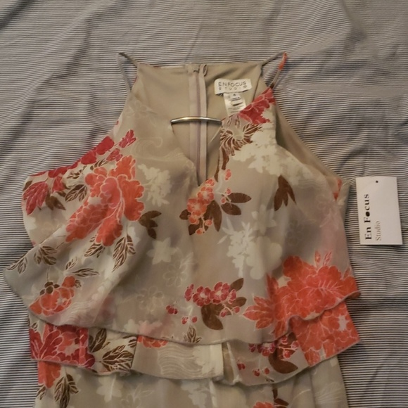 Enfocus Studio Dresses & Skirts - En Focus Studio Tan Floral Dress